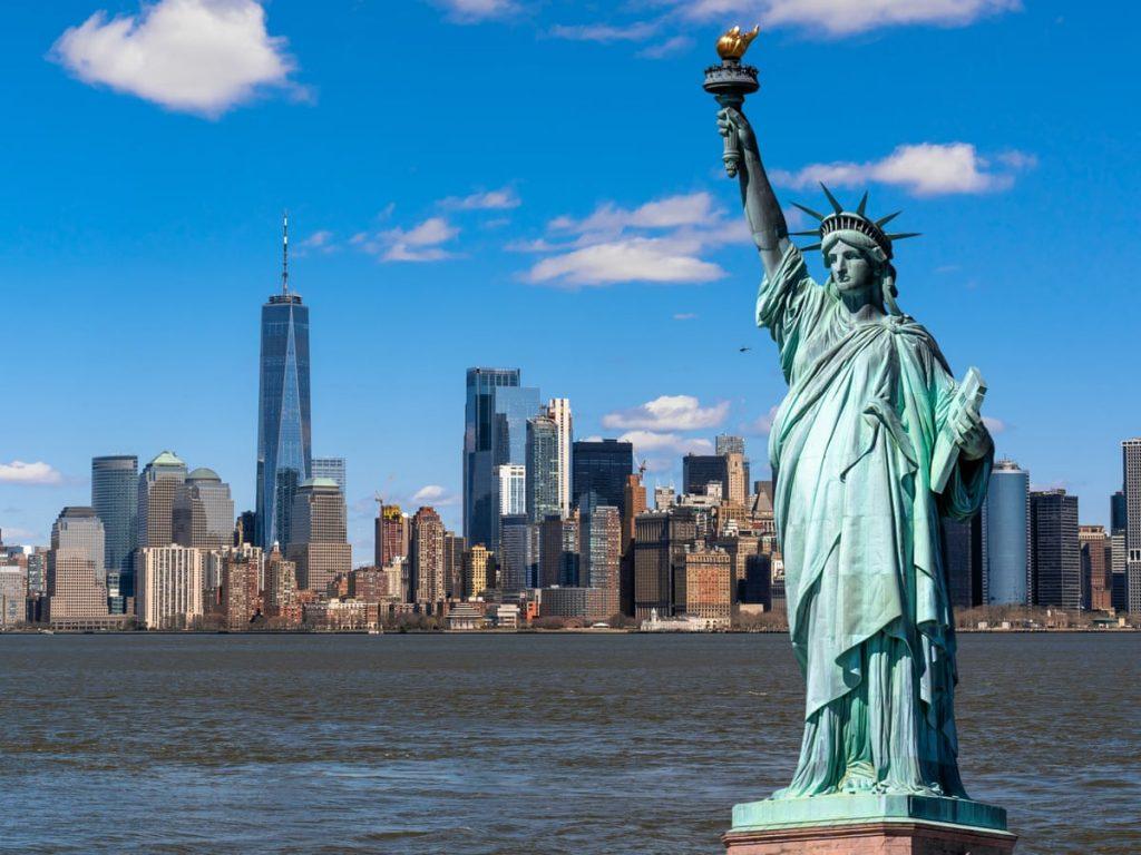Deretan Patung Paling Populer di Dunia